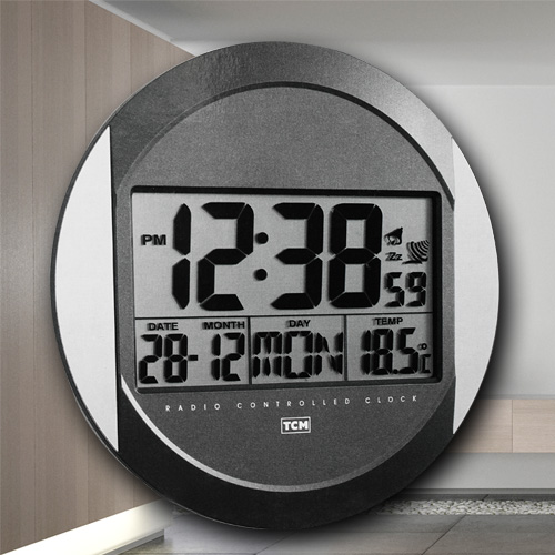 neu digitale lcd funkwanduhr mit standfu funkuhr wanduhr wecker gro es display ebay. Black Bedroom Furniture Sets. Home Design Ideas